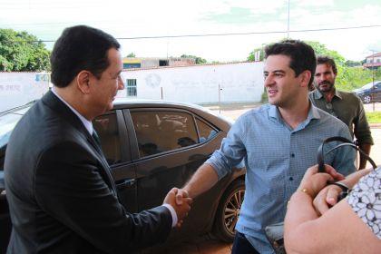 Notícias de Águas Lindas – Hildo do Candango e secretário de saúde do estado vistoriam obras no Hospital Regional