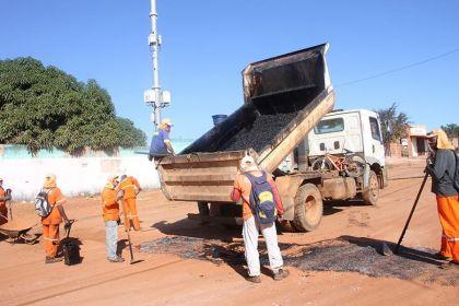 Notícias de Águas Lindas-  Secretaria de obras realiza trabalho de recuperação em vias de Águas Lindas
