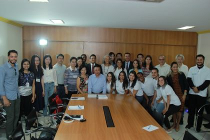 Notícia de Águas Lindas – Prefeito Hildo recebe Delegação Chinesa para apresentar o Programa Criança Feliz