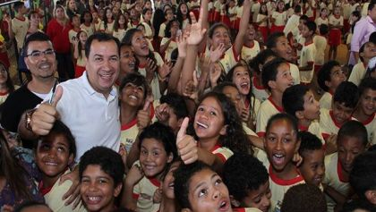 Notícia de Águas Lindas – Prefeito Hildo do Candango melhora educação em Águas Lindas