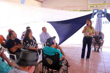 Notícias de Águas Lindas - Aleandra Sousa apoiou a celebração do Dia dos Pais da terceira idade
