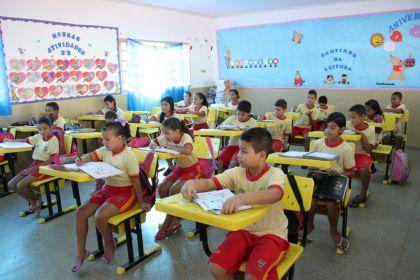 Notícia de Águas Lindas – Prefeito Hildo prioriza Educação em Águas Lindas