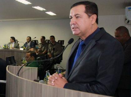 Notícia do Entorno – Presidente da AMAB, Hildo do Candango busca melhorias para transporte público de Valparaíso de Goiás
