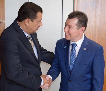 Em busca de melhorias: o prefeito Hildo do Candango se reúne com o Deputado Federal José Nelto