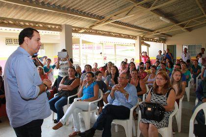 Notícias de Águas Lindas - Governador vai reformar escolas estaduais, diz presidente da AMAB Hildo do Candango