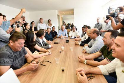 Governador Ronaldo Caiado se reúne com os Prefeitos da RIDE